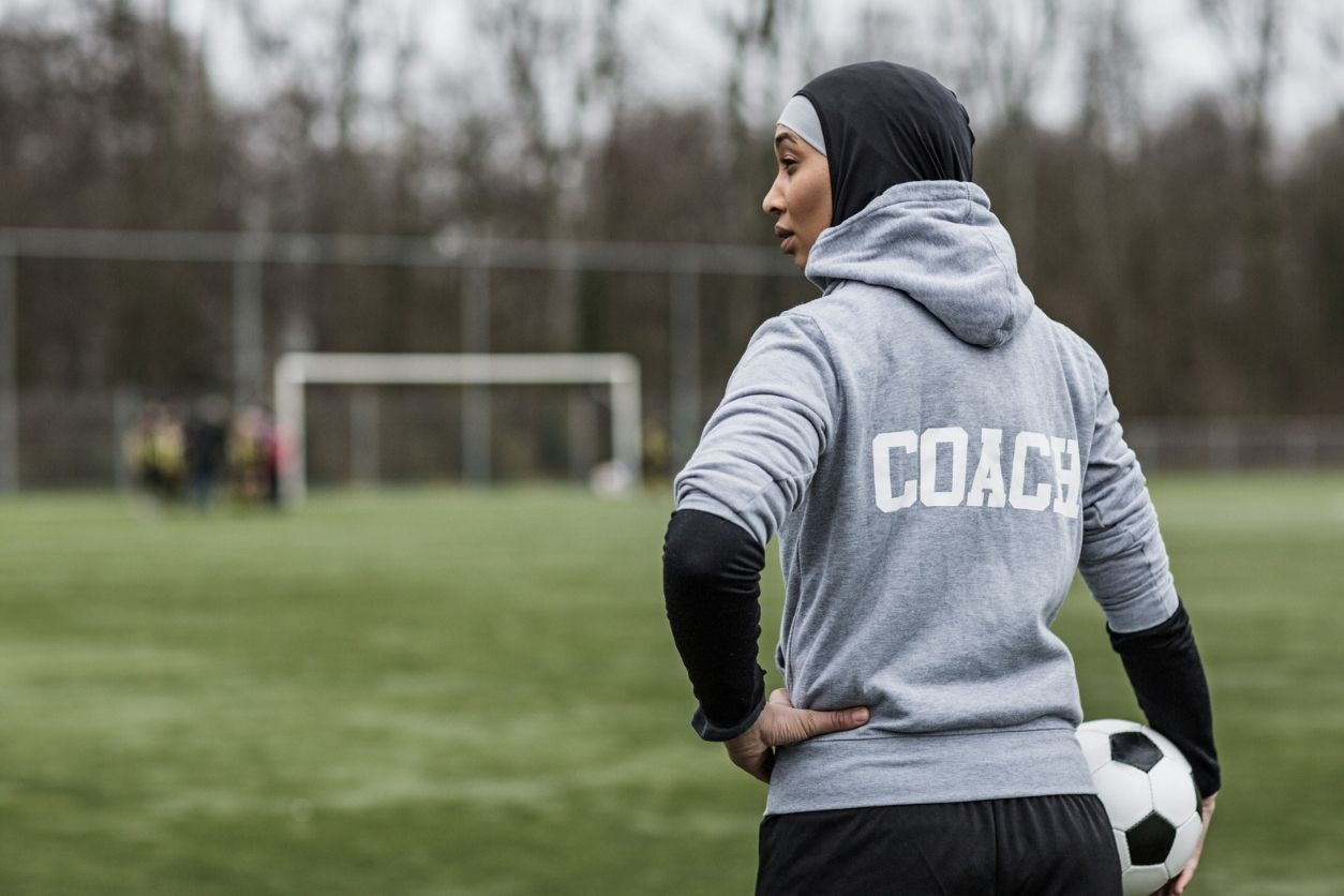 The right questions to ask college coaches for recruiting - captainu
